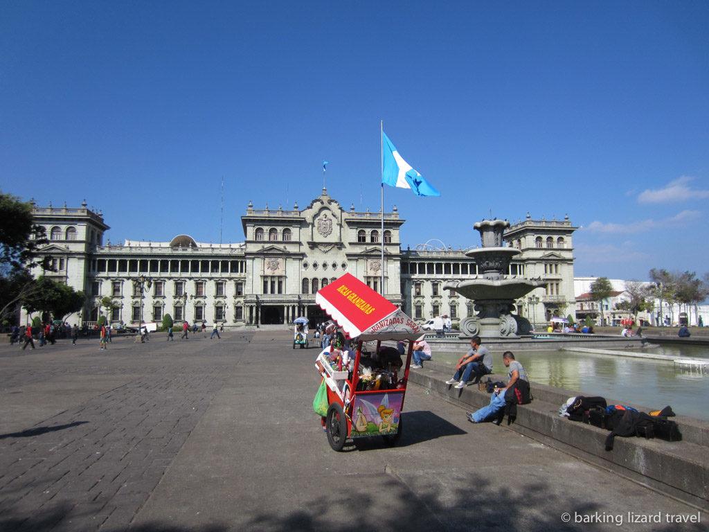 Photo of parque central palacio nacional in guatemala city
