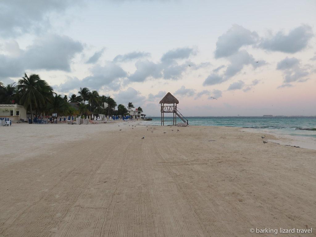 Playa norte isla mujeres at sunrise